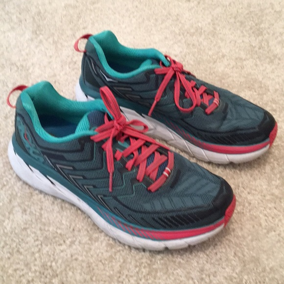 buy online abe55 a9a23 HOKA one one Clifton 4 Women Sneakers Size 7.5